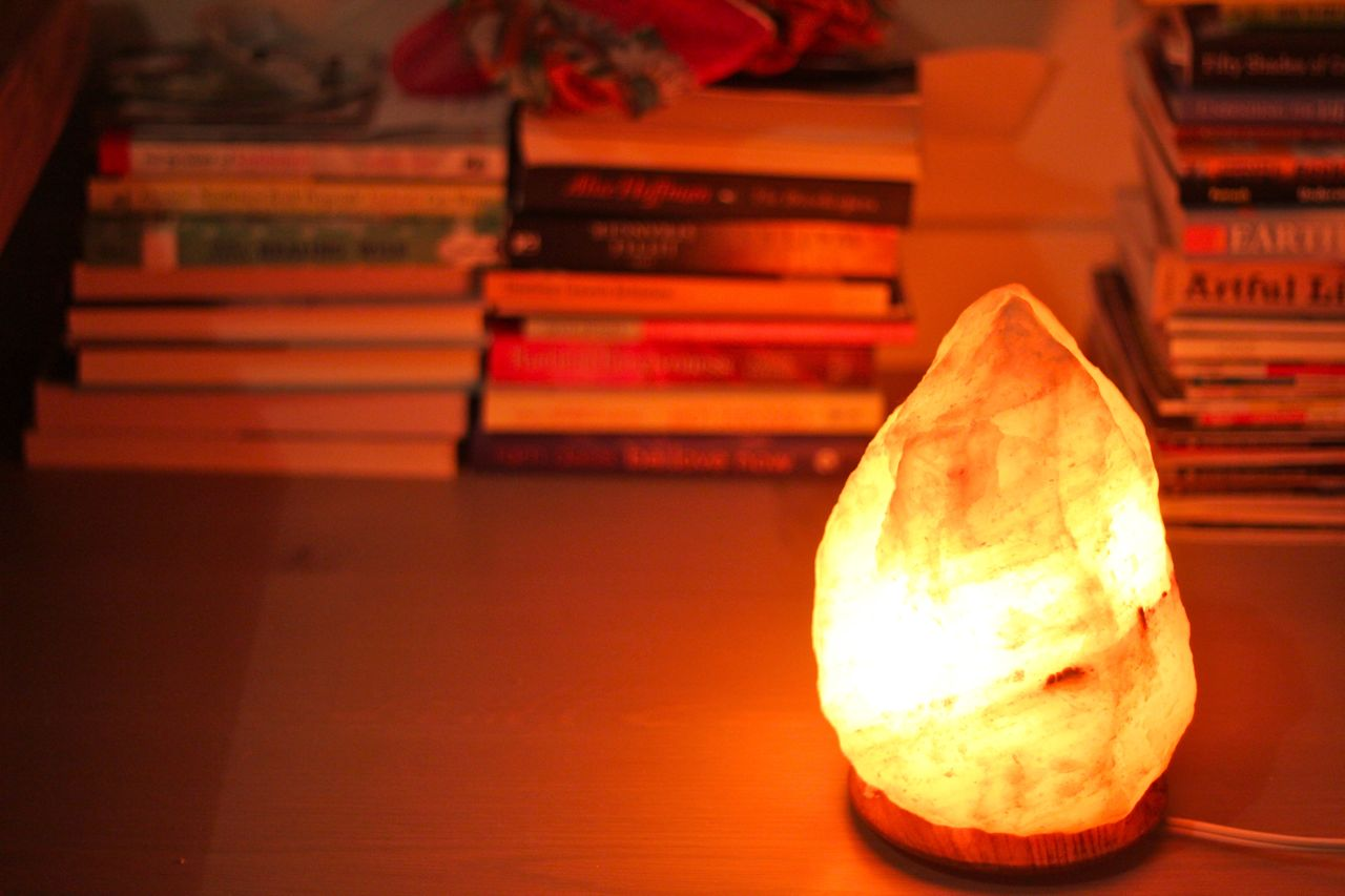 Salt Lamps And Headaches : Salt Lamps = Cosy Times