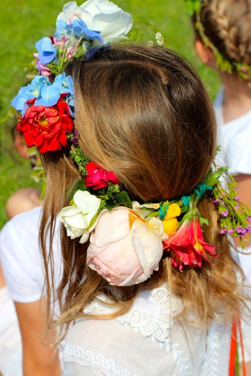 flower wreaths, may pole, may faire