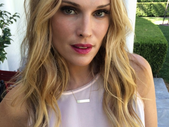 The Local Rose interviews supermodel, Molly Sims who shares her beauty secrets, including a DIY lip scrub recipe.