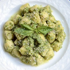 The Local Rose features a quick & easy pesto recipe from chef Alex Gary, served with all-natural and organic gnocchi.